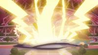 Pikachu Gigamax usando Gigatronada