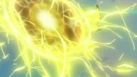 Pikachu de Ash usando electrobola/bola voltio.