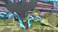 Mega-Charizard X de Alain golpeando el suelo...
