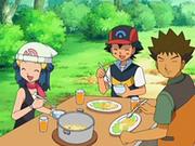 EP554 Maya, Ash y Brock comiendo.png