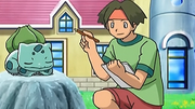 OPJ16 Tracey y Bulbasaur.png