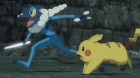 Frogadier de Ash usando corte.