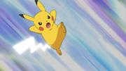 EP642 Ditto transformado en Pikachu usando cola férrea.png