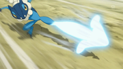 EP879 Frogadier usando golpe aéreo.png