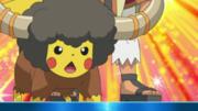 EP731 Pikachu disfrazado de Bouffalant.png