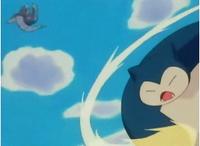 ... Snorlax de Ash usando megapuño.