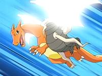 Charizard usando ala de acero.