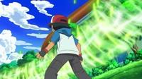 ...que lanza al enemigo, en este caso el Pikachu de Ash.
