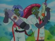 Es un gas muy apestoso. El Equipo/Team Rocket lo usa para dejar sin olfato a los Growlithe.