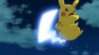 Pikachu usando cola férrea.