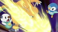 Dragonite usando Puño trueno contra Piplup y Oshawott
