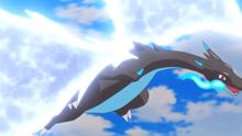Mega-Charizard X usando ala de acero.