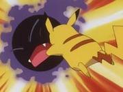 EP184 Pikachu usando Placaje.png