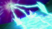 EP754 Dragonite usando rayo de hielo.png