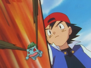 Bulbasaur de Ash usando látigo cepa.