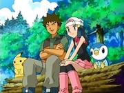 EP475 Maya y Brock presenciando el combate.png