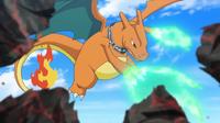 Charizard de Alain usando garra dragón.