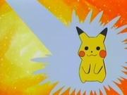 EP286 Primero Meowth quiere empapar a Pikachu.jpg