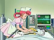 EP543 Enfermera Joy usando los desfibriladores con Pikachu.png