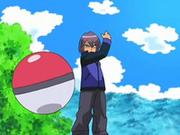 EP550 Polo enviando a su siguiente Pokémon.png