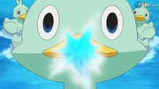 EP773 Ducklett usando pistola agua.png